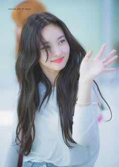 Find images and videos about cute, kpop and smile on We Heart It - the app to get lost in what you love. Kpop Girl Groups, Korean Girl Groups, Kpop Girls, K Pop Idol, Oh Yeon Seo, Nayeon Twice, Twice Kpop, Im Nayeon, Dahyun