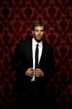 paul walker suit Paul Walker, so darn ridiculously handsome! His passing is such a tragic loss to all of humanity for so many reasons! Paul Walker Tribute, Paul Walker Photos, Rip Paul Walker, Cody Walker, Brian Oconner, Manchester Tan, Celebrity Deaths, Interview, Raining Men