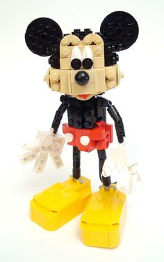 Paperwalker: Mickey Mouse: Unofficial LEGO Sculpture