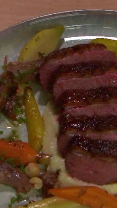 Beautiful, easy, and simple 👌 — now's YOUR chance to learn how to make Gordon Ramsay's beautiful duck breast! Wild Duck Breast Recipe, Roasted Duck Breast, Real Food Recipes, Cooking Recipes, Healthy Recipes, Slow Cooker Duck, Wild Duck Recipes, How To Cook Duck