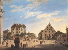 """Alte Reitschule mit dem Café Tambosi im Jahr 1822. Das Areal d heutigen Odeonsplatzes i München. Links angeschnitten die Theatinerkirche, rechts d 1816 v Klenze errichtete Hofgartentor. Blick n Norden, zur Schwabinger Chaussee. Rechts d Giebel """"Alte Reitschule, davor d Caféhaus, beide 1822 abgebrochen, u d 1824-1826 nach Plänen Klenzes errichteten Bazargebäude Platz zu machen. Links zwei mehrgeschossige Wohnhäuser a d Stadtwall, die später der weiteren Bebauung des Odeonsplatzes weichen…"""