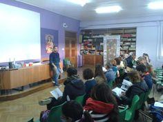 Javier García Calle @jgarciacalle Junto a @alvaropascual84 impartiendo la FORMACIÓN PARA EL CAMBIO en Salamanca. @maristassegovia  #compostelaenruta