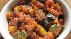 Ratatouille (cookéo) How To Make Ratatouille, Polenta Recipes, Multicooker, Salad Bar, My Recipes, Food And Drink, Nutrition, Yummy Food, Recipes