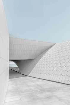 Gallery of The Textural, Geometric Surfaces of AL_A's MAAT in Lisbon - 4