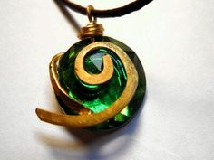 kokiri forest pendant....waaaaaaant lol