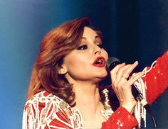 El mundo de la canción perdió el 25 de marzo del año 2006 a la artista Rocío Dúrcal, que falleció en su domicilio de Torrelodones (Madrid), a la edad de 61...