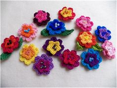 Tutorial for these pretty crochet flowers