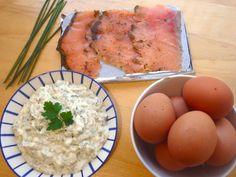 Les receptes que m'agraden: Huevos rellenos con salmón ahumado y salsa tártara