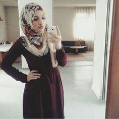 Pinned via Nuriyah O. Martinez   Love the combo between plain color dress n floral hijab