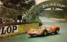 Ludovico Scarfiotti / Mike Parkes, #21 Ferrari 330 P4 (SpA Ferrari SEFAC), 24 Hours Le Mans 1967 (2nd)