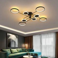 Modern mennyezeti lámpa, melynél abszolút nem kell attól tartanod, hogy elvész a lakás többi dekorációja között. Igazán előkelő megjelenésével a legigényesebbeket is leveszi a lábáról. Masszív alumíniumból készült, ezáltal könnyen mozgatható, ugyanakkor hosszú éveken keresztül megőrzi tökéletes minőségét. Track Lighting, Ceiling Lights, Led, Living Room, Decoration, Interior, Modern, Home Decor, Decor
