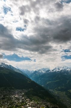 Switzerland cloudy sky ! [2841x4277][OC] -Please check the website for more pics
