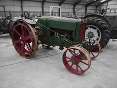 Auction Lot 247 (1925 BRITISH WALLIS 4cylinder petrol/paraffin TRACTOR Reg No..) Image 1