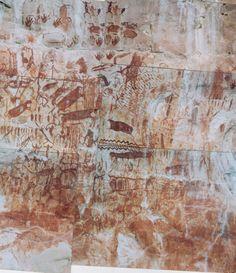 Pinturas rupestres de otra zona de Chiribiquete-animales, huellas de manos y figuras antropomorfas