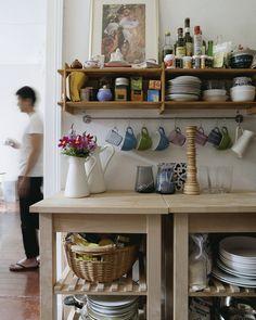 Ideas for kitchen open shelving ikea hooks New Kitchen, Kitchen Decor, Kitchen Design, Kitchen Ideas, Cosy Kitchen, Kitchen Interior, Storage Baskets, Kitchen Storage, Kitchen Organization