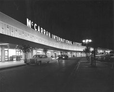 Las Vegas Airport, Old Vegas, Vintage Neon Signs, Las Vegas Photos, Las Vegas Nevada, Cool Photos, Interesting Photos, Vintage Pictures, Places To See