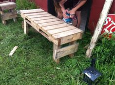 DIY Pallet Benches. Perfect for my screened in back porch.