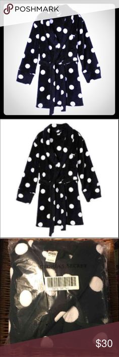 Sz M/L VS PINK Black Polka Dot Robe New in package from an online order   Victoria's Secret PINK Black Polka Dot Robe  Size: M/L  Soft Black Plush with White Polka Dots  Small Silver Dog Logo near chest  Tie Waist  Hooded  No pockets PINK Victoria's Secret Intimates & Sleepwear Robes