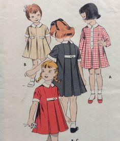 Ragazze di Butterick 8649 vintage 1940 pieghe chemise Abito da cucire modello dimensioni 3 di RuralRetroTreasures su Etsy https://www.etsy.com/it/listing/235804132/ragazze-di-butterick-8649-vintage-1940