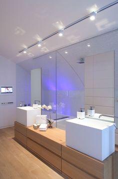 World of Architecture: White Interior Design in Modern Sea Shell Home, Israel | #worldofarchi #architecture #modern #house #home #interior #white #design #bathroom