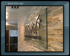 25 Ideas For Wall Graphics Interior Signs Medical Office Design, Corporate Office Design, Corporate Signs, Business Signs, Stone Feature Wall, Glass Signage, Office Signage, Office Logo, Glass Etching