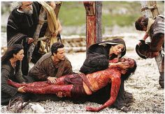 The Passion of the Christ - This isn't a horror film in the truest sense of the word. Yet, the crucifixion of Christ is a saga of the super. Passion Of Christ Images, La Passion Du Christ, Jesus Art, God Jesus, Christ Movie, Pictures Of Jesus Christ, Mel Gibson, Mary And Jesus, Jesus On The Cross