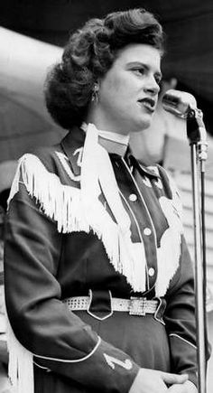 Patsy Cline performs before a packed crowd during The Nashville Tennessean Centennial Park concert, Jun 26, 1955.
