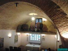 All'interno della cantina Marotta di Palazzo D'Auria