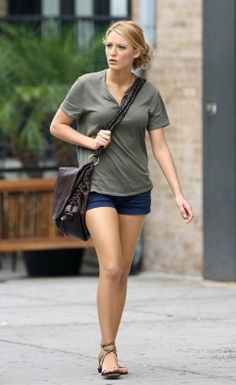 f4bc22c02ce Blake Lively wearing Sergio Rossi Aurora Flat Stud Sandal and TODS softy  Messenger bag.