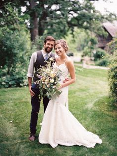 Rustic bride & groom: http://www.stylemepretty.com/little-black-book-blog/2015/08/28/rustic-romantic-wisconsin-barn-wedding/ | Photography: Kate Weinstein - http://www.kateweinsteinphoto.com/