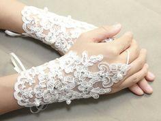 lace golves,fingerless gloves,pearl gloves,white gloves,ivory gloves, wedding gloves - a pair