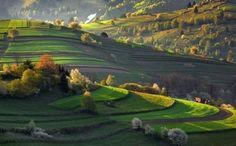 Nasledujúcim článkom sa vám budeme snažiť priblížiť rôzne krásy našej rodnej krajiny, poprípade ponúknuť inšpiráciu na najbližší výlet. Slovensko je predsa nádherné a určite ho treba spoznávať.