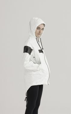 UEG SIGNATURE WINDRUNNERS NOW IN A NEW NO CONTENT EDITION. NO MESSAGE, NO NAME, NO LOGO, NO COMMUNICATION, NO LIGHT, NO PAST, NO CONTENT. THE NEW UEG LINE IS A RESPONSE TO OUR EVERYDAY LIFE FILLED WITH TOO MUCH INFORMATION. THE TYVEK® NO CONTENT PARKA IS A SLIGHTLY OVERSIZED JACKET. IT IS VERY LIGHT WITH A SINGLE LAYER OF THIN & BREATHING TYVEK®. IT HAS TWO POCKETS AND STRING IN THE BOTTOM OF THE JACKET FOR A CLASSIC PARKA LOOK. HIGH PERFORMANCE WATER RESISTANT BREATHABLE WASHABLE MACHINE…
