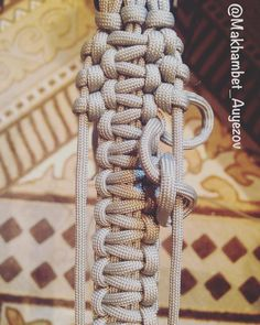 Is this pic enough as #tutorial for this #weaving? #paracord #bracelet #paracordbracelet #handmade #hobby #edc #everydaycarry #outdoors…