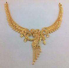 Jewelry Design Earrings, Gold Earrings Designs, Gold Jewellery Design, Indian Gold Necklace Designs, Dubai Gold Jewelry, Jewellery Box, Jewelry Shop, Diamond Jewelry, Gold Jewelry Simple