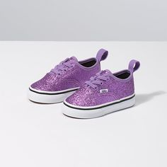 Shop bestselling Baby's Shoes at Vans including Infant Slip Ons, Authentics, Low Top, High Top Shoes & More. Shop Baby Shoes at Vans today! Toddler Boy Fashion, Little Boy Fashion, Toddler Girl Outfits, Kids Outfits, Fashion Kids, Cute Baby Shoes, Baby Girl Shoes, Girls Shoes, Kid Shoes