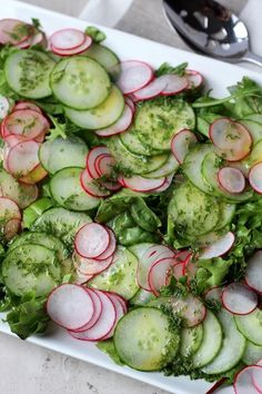 Cucumber & Radish Salad with Dill Vinaigrette Gurken-Radieschen-Salat mit Dill-Vinaigrette Cucumber Recipes, Healthy Salad Recipes, Gourmet Recipes, Diet Recipes, Cooking Recipes, Recipes With Radishes, Great Salad Recipes, Cooking Bacon, Recipies