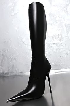 1969 very pointed toe black leather knee boots 01