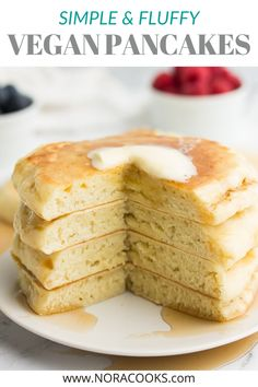The BEST FLUFFY vegan pancakes recipe ever, and they're so easy to make! 6 ingredients, 1 bowl. Gluten free option. #vegan #plantbased Fluffy Vegan Pancake Recipe, Vegan Pancake Recipes, Vegan Pancakes, Vegan Blogs, Delicious Vegan Recipes, Gluten Free Recipes, My Recipes, Cooking Recipes, Fluffy Pancakes