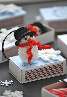 mamas kram: Christmas and winter mood for the trouser pocket Christmas Crafts, Christmas Decorations, Xmas, Christmas Ideas, Crochet Advent Calendar, Diy Crochet, Crochet Hats, Diy And Crafts, Crafts For Kids