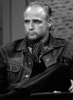 Marlon Brando Marlon Brando, Old Hollywood Glamour, Hollywood Fashion, Hollywood Stars, Julius Caesar 1953, Glamour Movie, Guys And Dolls, Star Wars, Show Photos