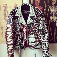 Punk jacket hand painted Fashion leather articles at 60 % wholesale discount prices Fashion Moda, Punk Fashion, Painted Leather Jacket, Men's Leather, Punk Jackets, Casual Jackets, Mode Punk, Custom Leather Jackets, Battle Jacket
