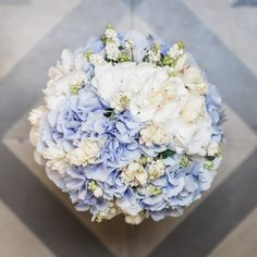 MATRIMONIO AL MARE #weddingbouquet #bouquet #colors #fashion #style #italianstyle #blue #white #wedding #elisabettacardani