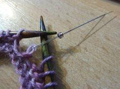 Site très instructif sur de nombreuses techniques tricot  (ici tricoter avec des perles). A voir absolument!