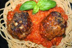Ruokasurffausta: Italialaisen mamman lihapullat tomaattikastikkeessa