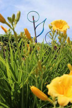 Bike rim flower- gordonspark.com Art In The Park, Gordon Parks, Art Projects, Bike, Flowers, Plants, Bicycle, Bicycles, Plant