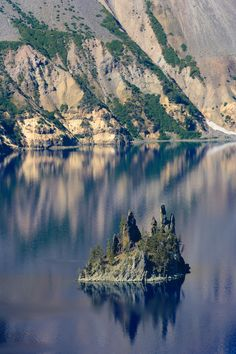 The Phantom Ship, Crater Lake, Oregon by Cameron Booth Vacation Destinations, Vacation Trips, Dream Vacations, Places To Travel, Places To See, Crater Lake Oregon, Rio, Oregon Travel, Road Trip Usa