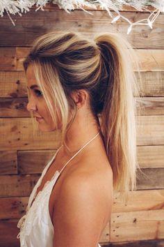 Blonde high ponytail Insta: @SheaLeighMills #woodenheadboard #blondehair