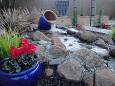 Great Water Fountain - Flowers and plants Yard Crashers, Side Yards, Front Yards, Front Yard Landscaping, Landscaping Ideas, Backyard Makeover, Traditional Landscape, Diy Network, Landscape Plans