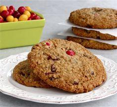 Cranberry Peanut M oatmeal Cookies | ButtercreamBlondie.com
